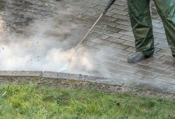 driveways in wolverhampton - cleaning