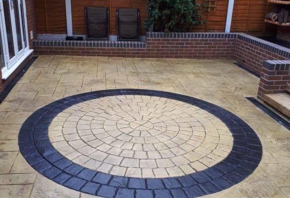 garden patio - cobblecrete